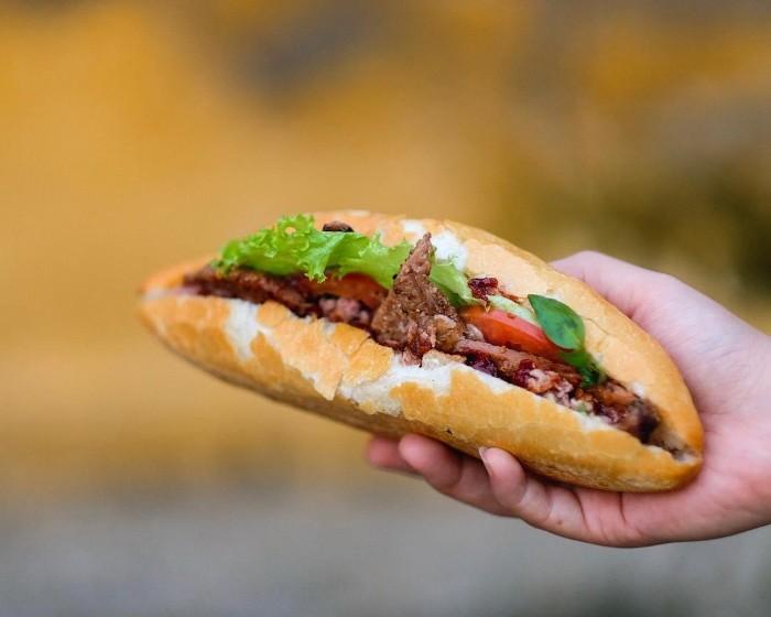Món ăn đường phố khiến nhiều du khách mê mẩn - Ảnh: hovydong