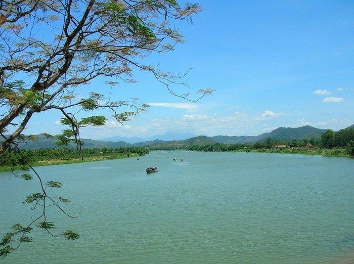 Tự hào vẻ đẹp núi rộng sông dài
