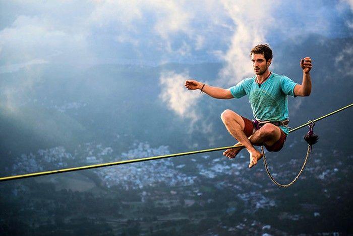 thăng bằng trên dây