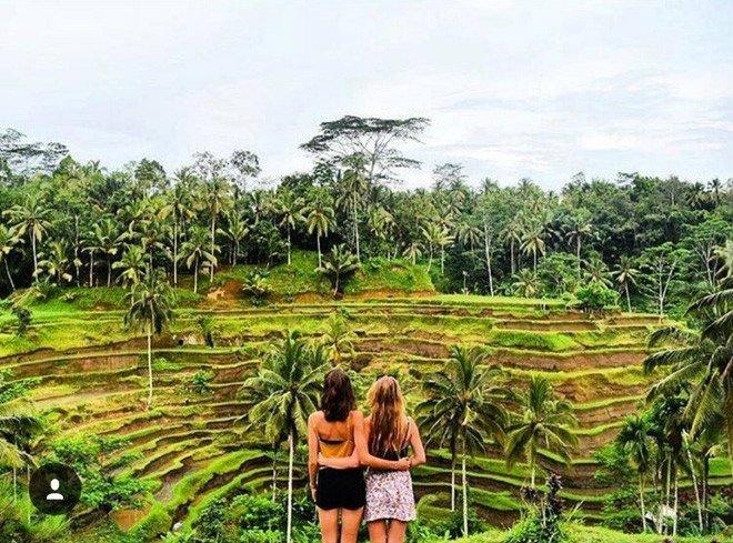 Hai cô gái xinh đẹp mở màn trào lưu đi du lịch cùng bạn gái thân khắp thế giới - Ảnh 21.