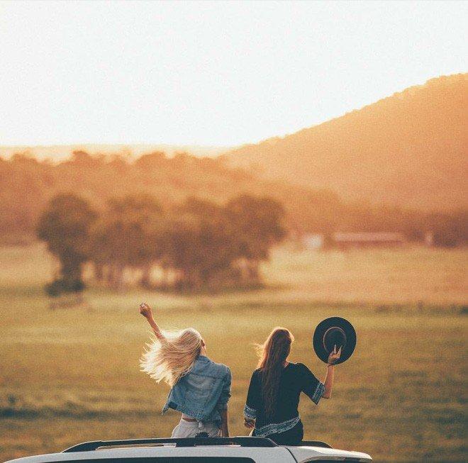 Hai cô gái xinh đẹp mở màn trào lưu đi du lịch cùng bạn gái thân khắp thế giới - Ảnh 9.
