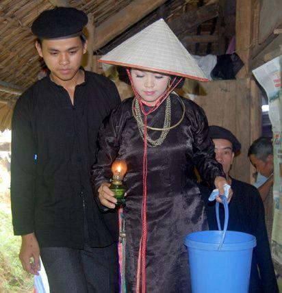 Hát Quan làng trong đám cưới người Tày Xuân Lai, Yên Bái