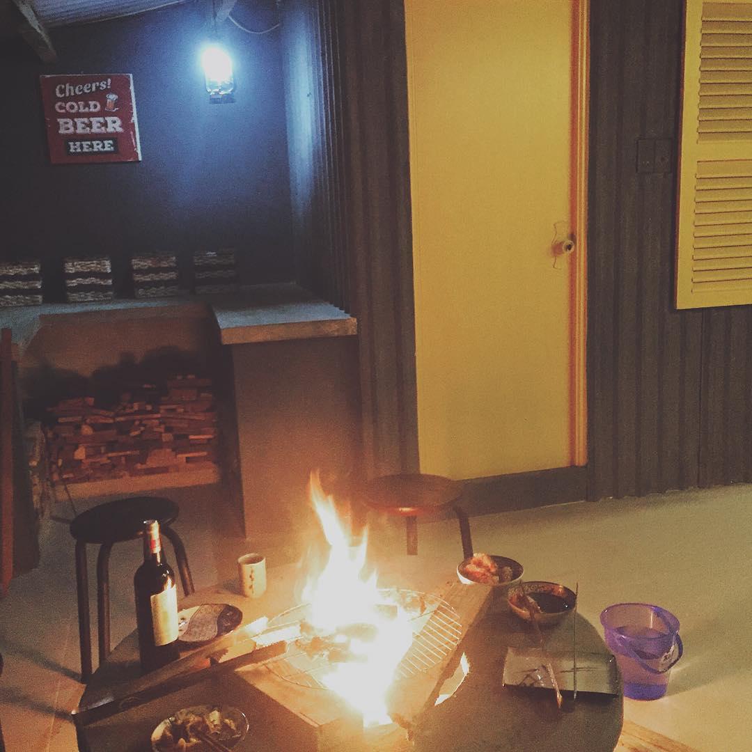 Bếp lửa ngay trong nhà - Ảnh: saigon80s.nhaminh