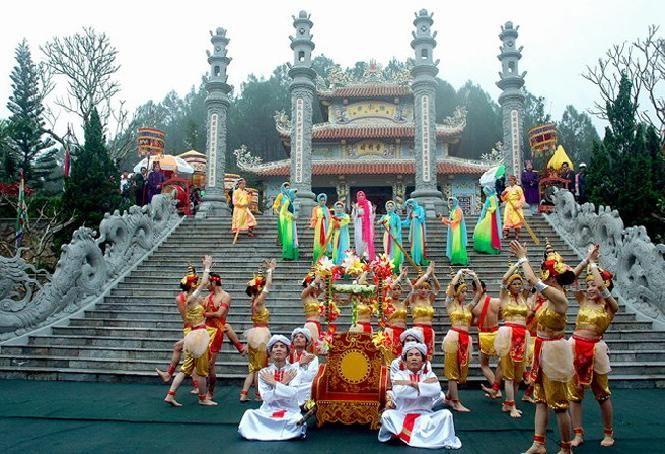 Khám phá lễ hội đền Huyền Trân