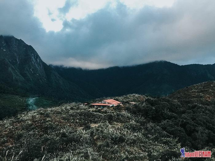 Thách thức bản thân khám phá đỉnh Bạch Mộc Lương Tử - Lai Châu!