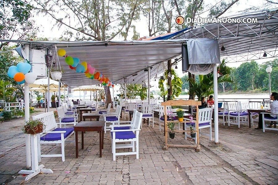 khong gian cafe relax garden