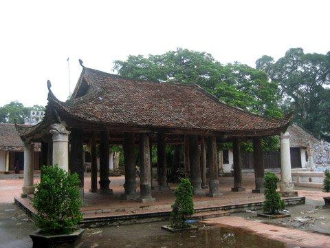 Mái đình giữa khuôn viên chùa Văn Quán
