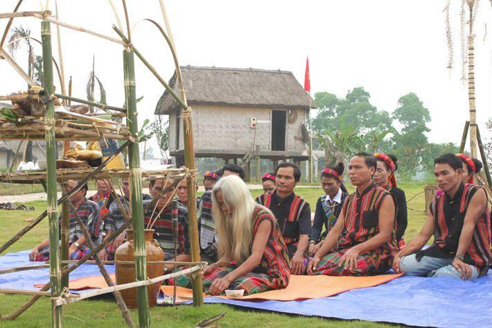 Tục cưới của người Vân Kiều trên đất Quảng Bình