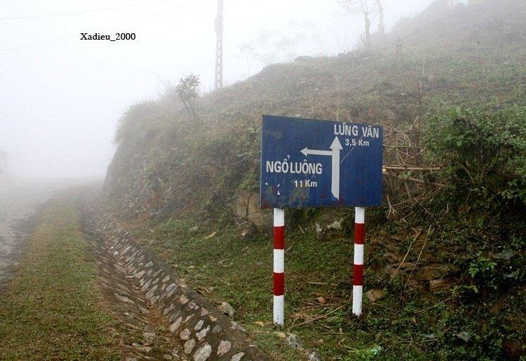 Đường đi Lũng Vân