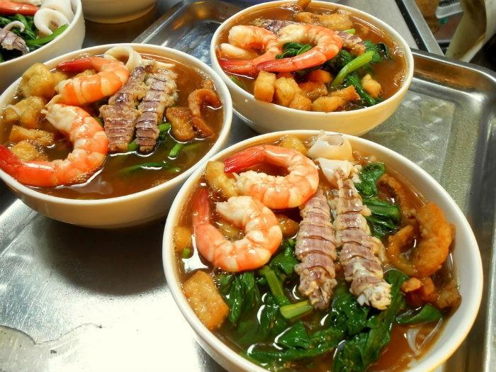 Bún hải sản Thái
