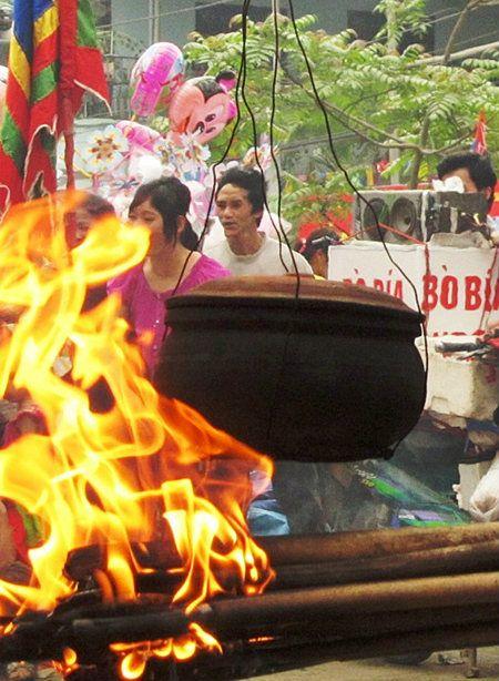 Độc đáo thổi cơm thi ở lễ hội làng Đăm