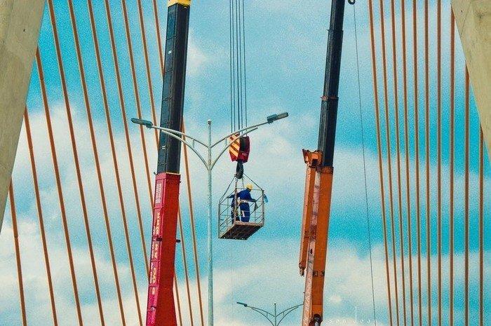 Hình ảnh Cầu vượt Ngã ba Huế đang được khẩn trương hoàn thành