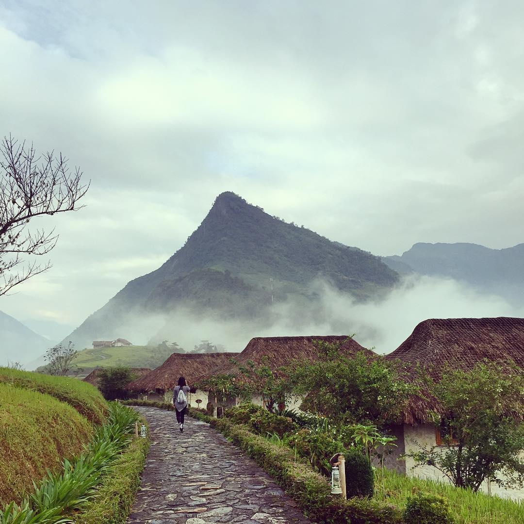 Những làn sương mơ màng đẹp huyền ảo, lung linh diệu kỳ - Ảnh: IG @tmn163