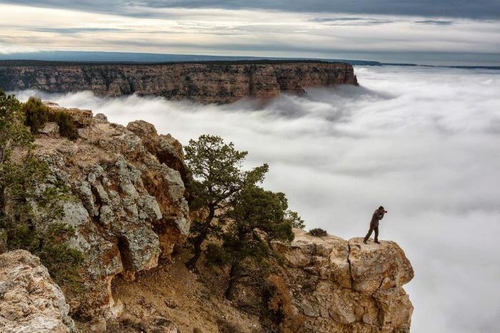 Biển mây bồng bềnh bên vách núi ở Grand