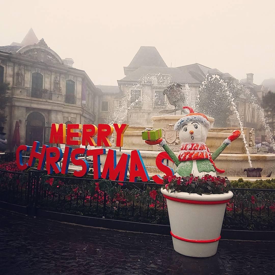 Càng khiến Noel trên đỉnh Bà Nà giống châu Âu hơn - Ảnh: @manhthao70
