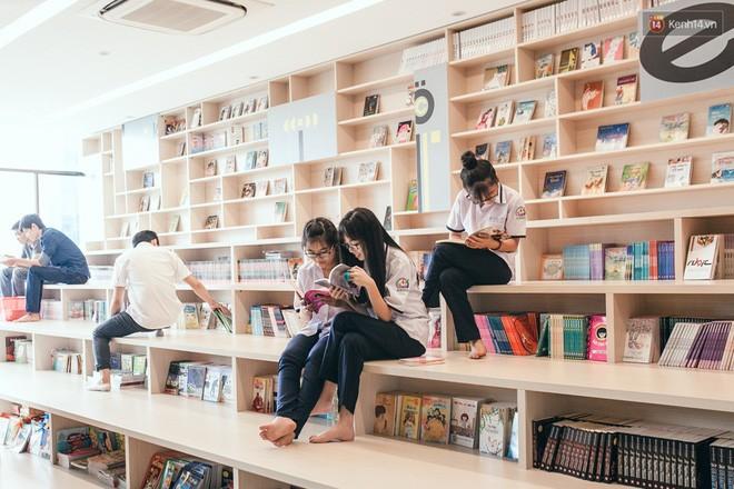 Nhà sách tuyệt đẹp mà bạn có thể nằm dài đọc truyện và chụp ảnh thoải mái tại Sài Gòn - Ảnh 15.