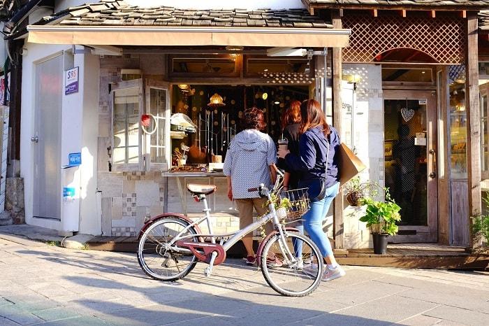 Khám phá vẻ đẹp của phố cổ Samcheong dong Hàn Quốc