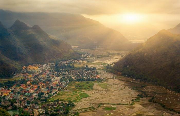 Du lịch Mai Châu, du khách sẽ được đón những vạt nắng sớm mai ấm áp vùng cao