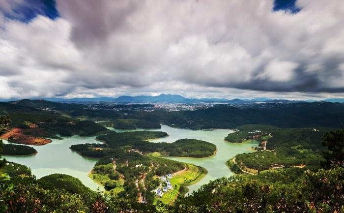 Có một hồ Tuyền Lâm, có một Đà Lạt thật lạ từ Pinhatt