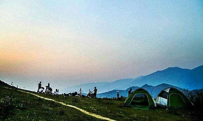 Và thích thú với lều trại qua đêm