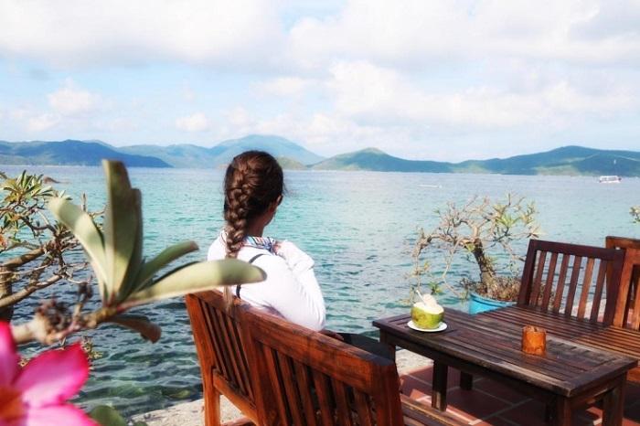 Lên đường chu du đảo Hòn Ông ngắm biển xanh, cát trắng, nắng vàng