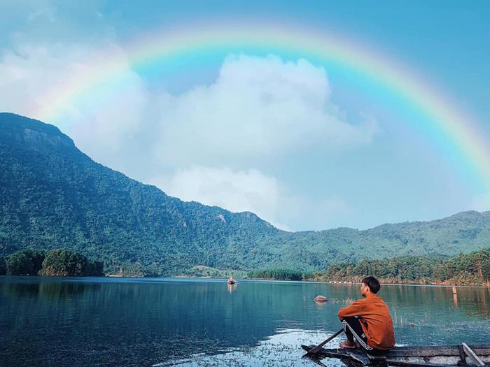 Hòn Kẽm Đá Dừng là thắng cảnh tuyệt đẹp ở Quảng Nam - nơi những người yêu thích thiên nhiên không thể nào bỏ qua.