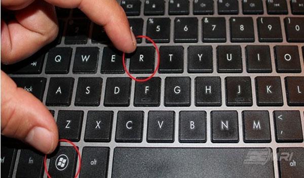 Bạn sử dụng tổ hợp phím windows + R
