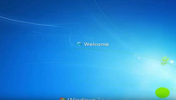 Máy khởi tạo desktop và đã hoàn thành