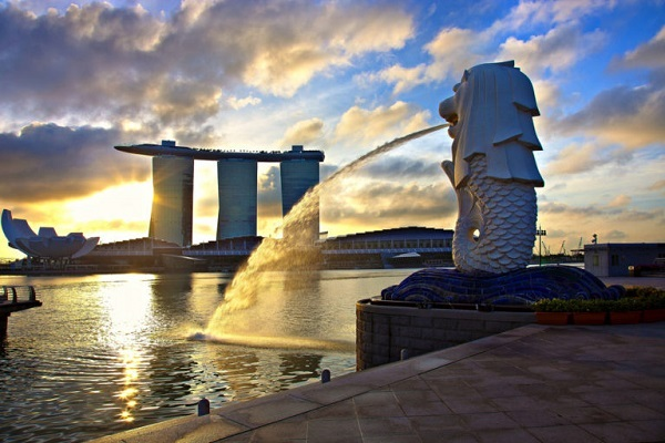 tuong-su-tu-merlion-singapore