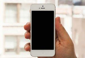 man-hinh-iphone-5s-bi-toi