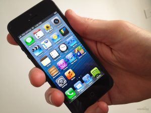 loạn cảm ứng iPhone 5