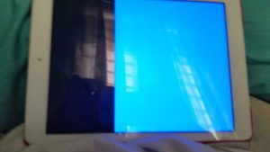màn hình ipad bị xanh