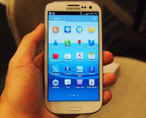 màn hình Galaxy S3 bị loang màu