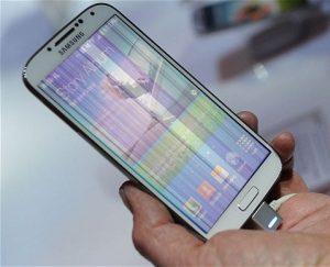 màn hình Galaxy S4 bị sọc