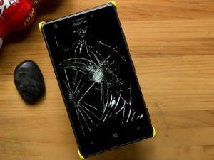 màn hình Lumia 520 bị vỡ
