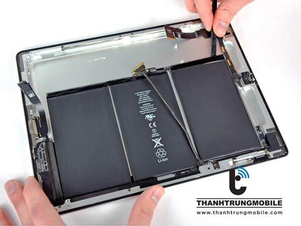 thay-pin-ipad-03