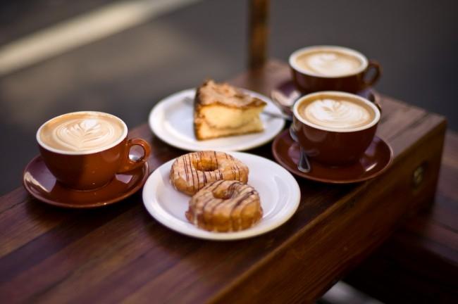 Uống cà phê buổi sáng cũng là một cách giúp bạn tăng cân