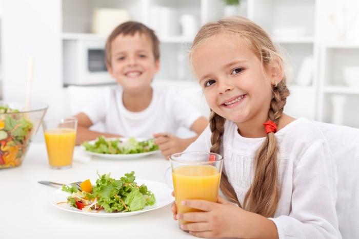 Muốn tăng cân, bạn nên ăn sáng với nước ép hoa quả