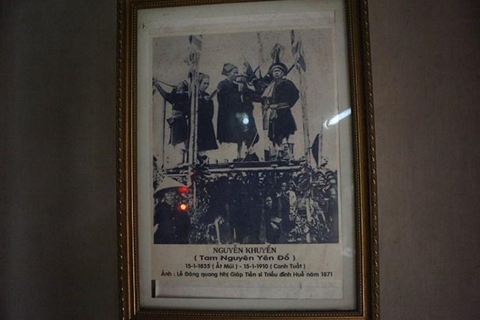 Hình ảnh cụ Nguyễn Khuyến lúc đỗ Tam Nguyên Yên Đổ