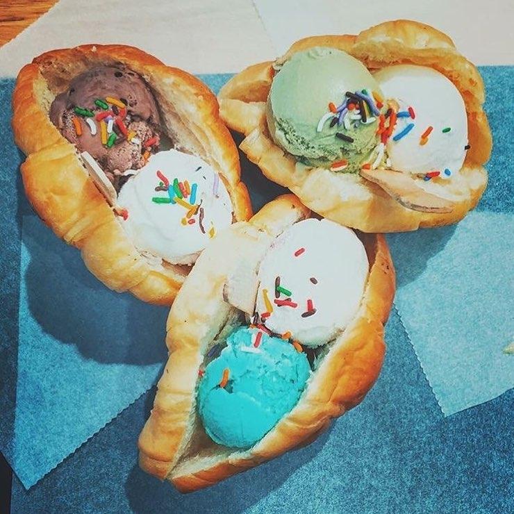 Bánh mì kẹp kem - Peem Ice Cream Xã Đàn