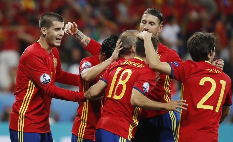 Tây Ban Nha là đội bóng đắt nhất với giá trị 590 triệu euro