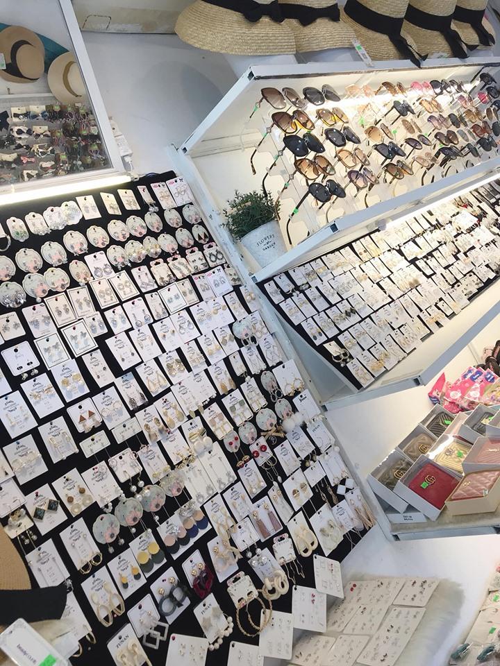 Những mẫu hoa tai, mắt kính tại shop
