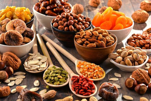 Các loại hạt giàu chất béo giúp bé tăng cân an toàn