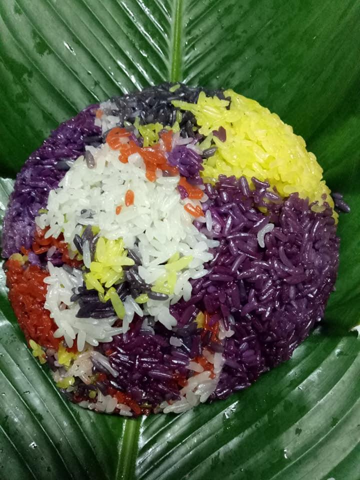 Xôi ngũ sắc là món ăn được ưa thích của thực khách khi đến Cao Nguyên Đá