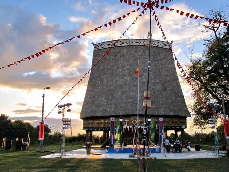 Làng Kon K'tu với lối kiến trúc đậm chất truyền thống