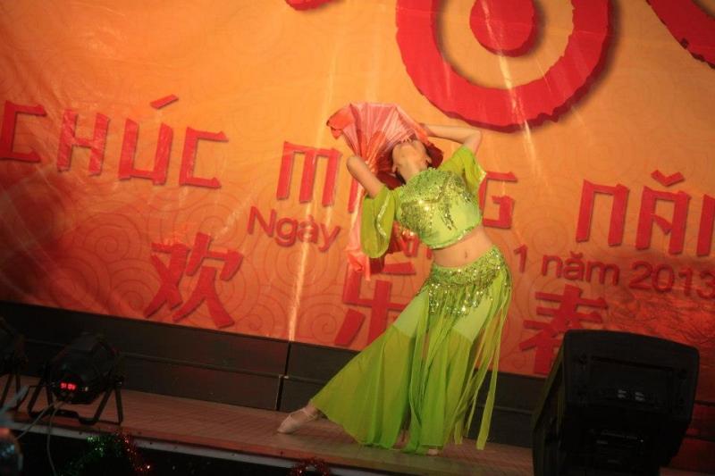 Múa nhảy đã trở thành sở trường của gái Ngoại Ngữ