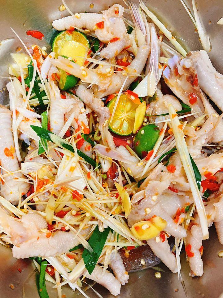 Chân Gà Huyền Trang