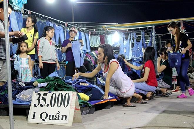 Chợ đêm sinh viên Làng đại học