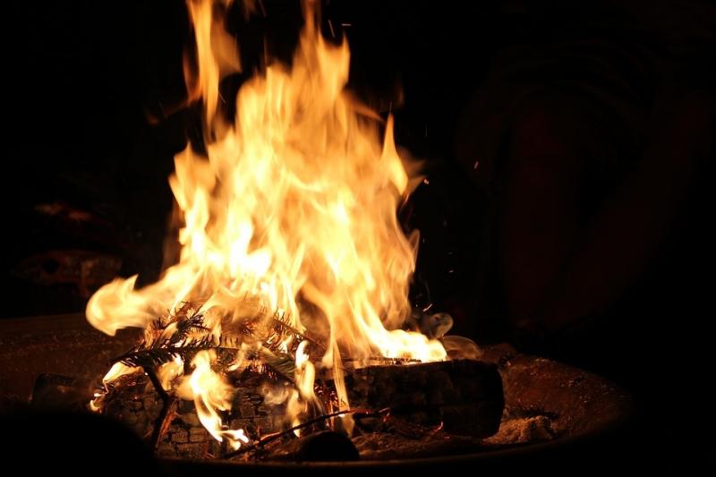 Kiêng cho nước, cho lửa đầu năm