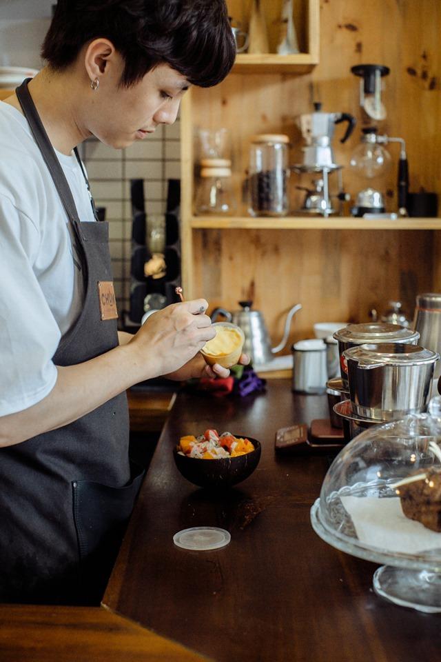 Chum Coffee là một quán café nhỏ nằm trong ngõ 25, Phủ Liễn